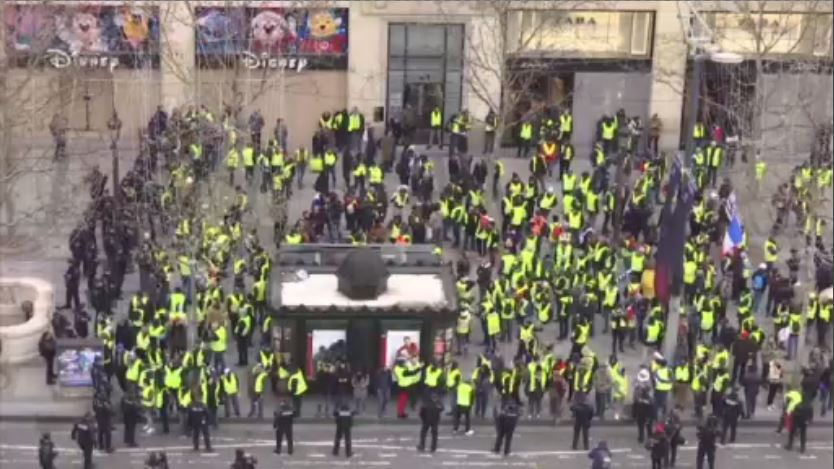 Respite In Paris As Yellow Vest Movement Abates Wsvn 7news Miami News Weather Sports Fort Lauderdale
