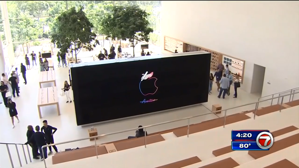 Apple Store In Aventura Mall Set To Open Saturday Wsvn 7news Miami News Weather Sports Fort Lauderdale