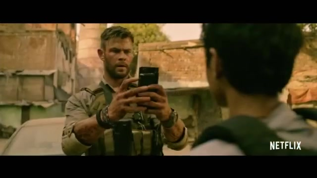 Chris Hemsworth Takes Netflix By Storm In Action Thriller Extraction Wsvn 7news Miami News Weather Sports Fort Lauderdale