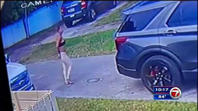 Video shows woman in theft of purse, cellphone outside Miami Shores home